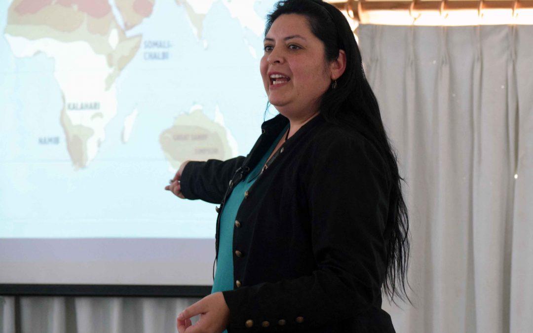 La renombrada profesional y experta en meteoritos, destacó en el seminario organizado con motivo del aniversario de la Carrera y el Día del Geólogo